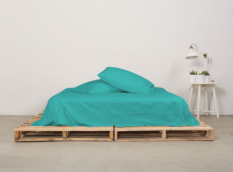 eflat sheet | aqua | pallet bed | bedface