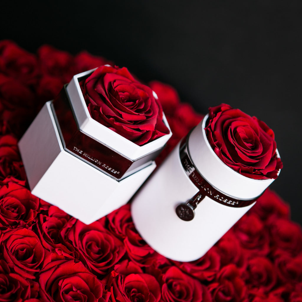 The Million Roses In Marvelous Handcrafted Rose Boxes