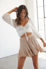 Ruffle shorts with an elastic waistband.