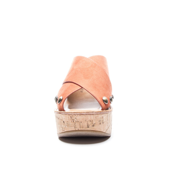 Chinese Laundry Oahu Wedge Sandal In Nutmeg