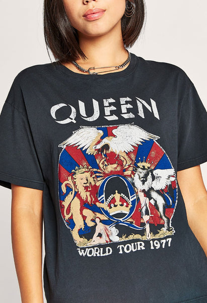 Daydreamer Queen World Tour Boyfriend Tee