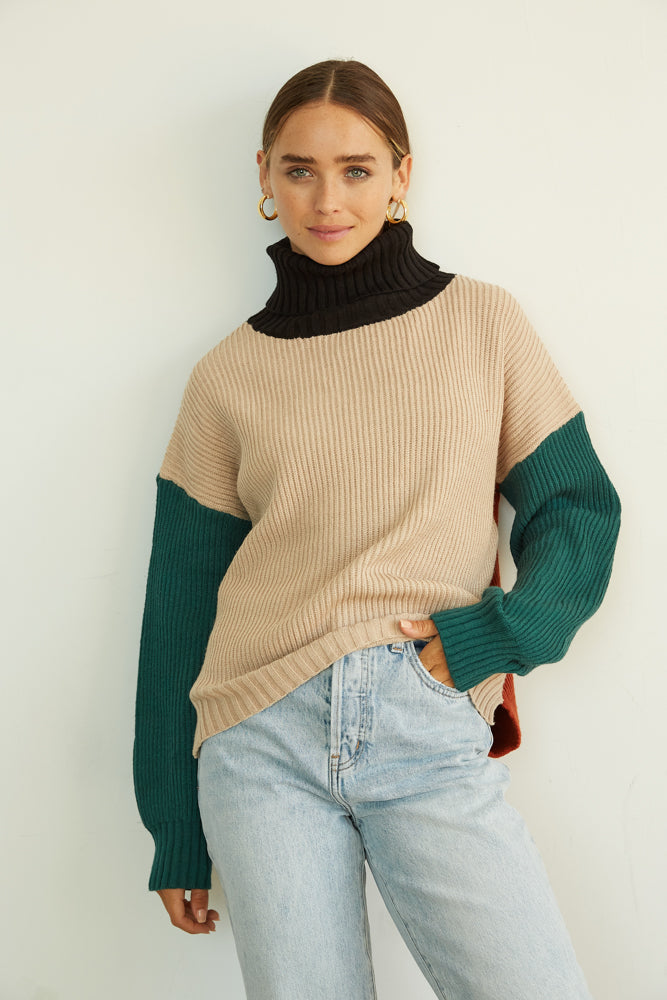Knit sweater oversized.