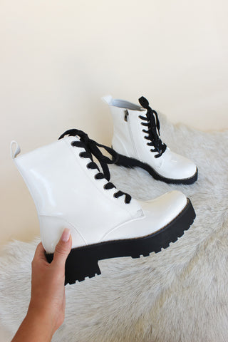 Chinese Laundry Mazzy Boots In Patent White