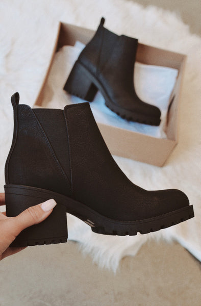 Chinese Laundry Lisbon Bootie In Black