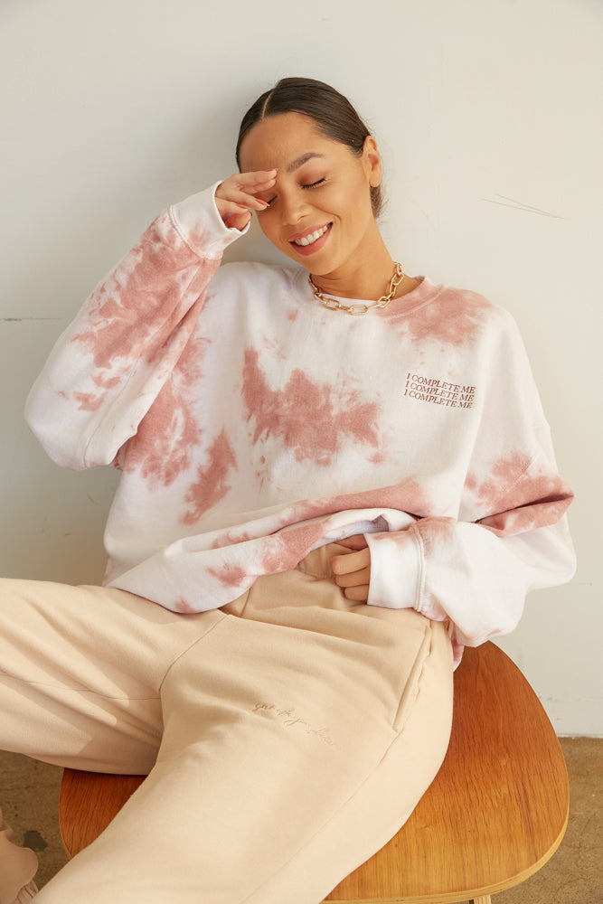 I complete me pink and white tie dye sweatshirt.