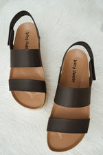 Chinese Laundry Peyton Sandal In Smooth Black