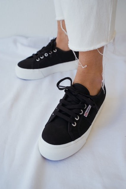 ACOTW Linea Up And Down Sneakers In Black