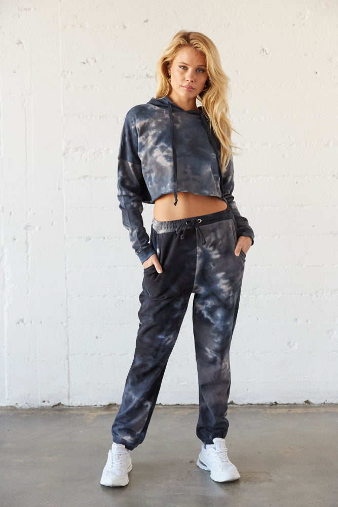 Navy cropped hoodie with matching high rise sweatpants.