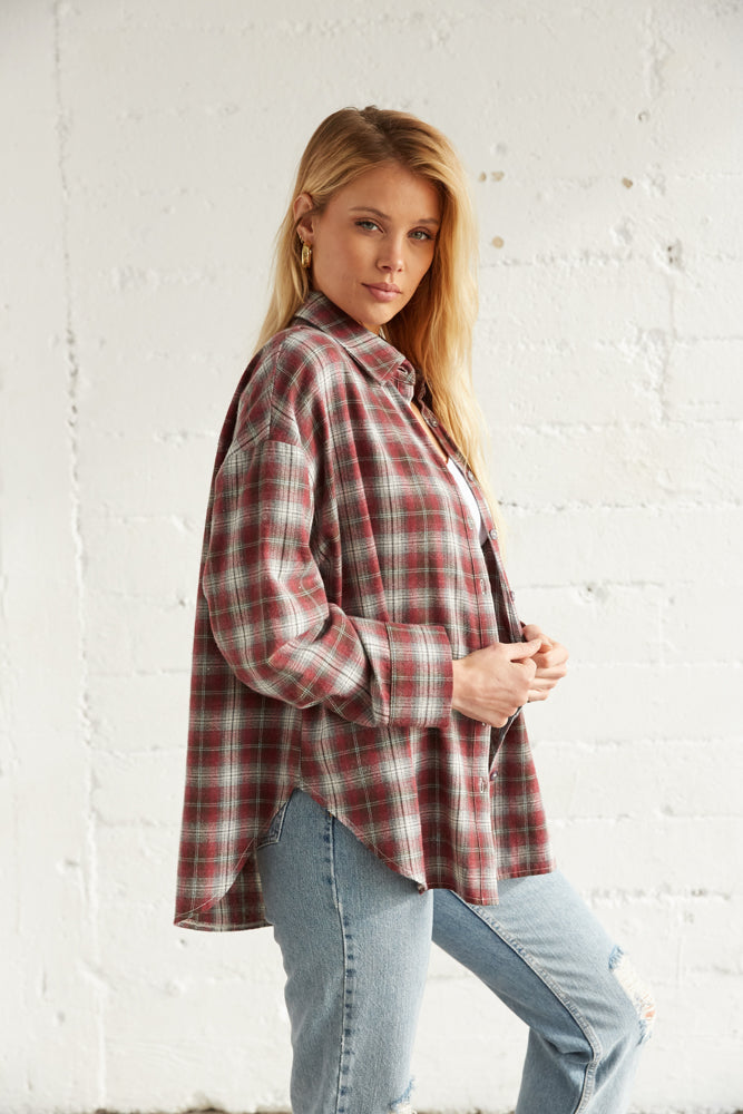 The side of this flannel has long sleeves.
