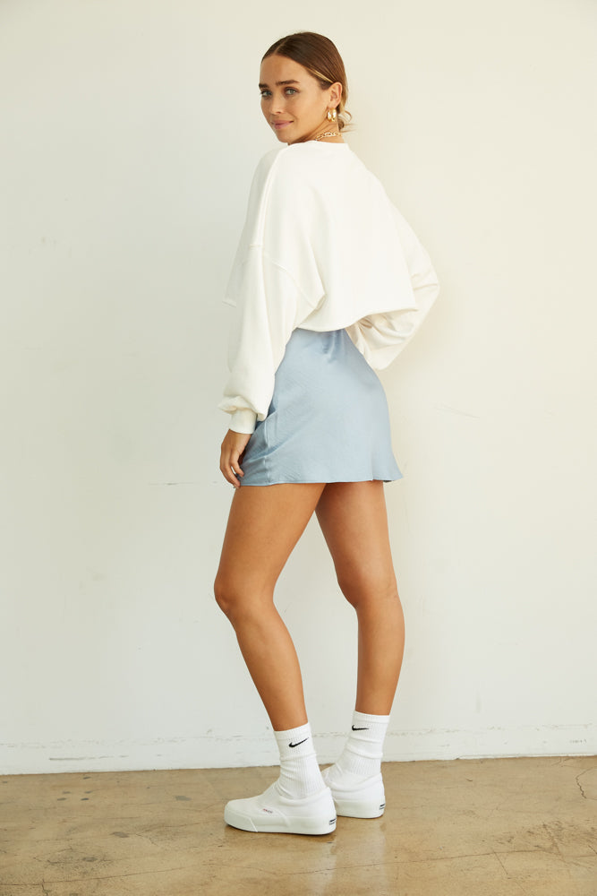 The back of this mini skirt is simple and sweet.