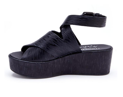 Matisse Runaway Platform Sandals In Black Zebra