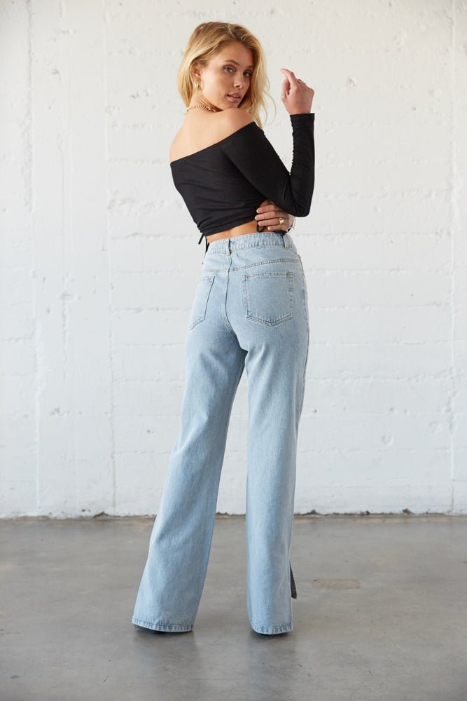 High rise baggy jeans.