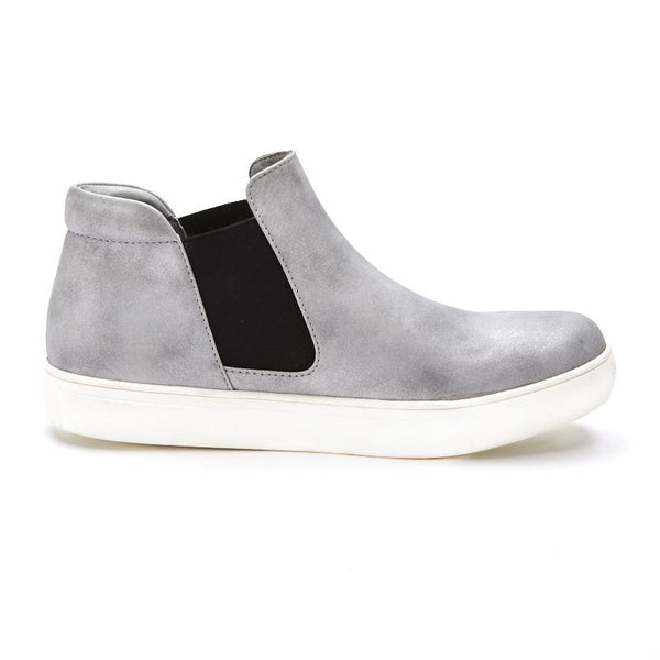 Matisse Harlan Pull On Sneakers In Silver