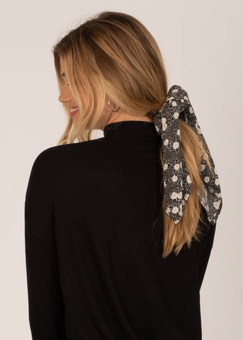 Amuse Society Up And Back Scrunchie Scarf