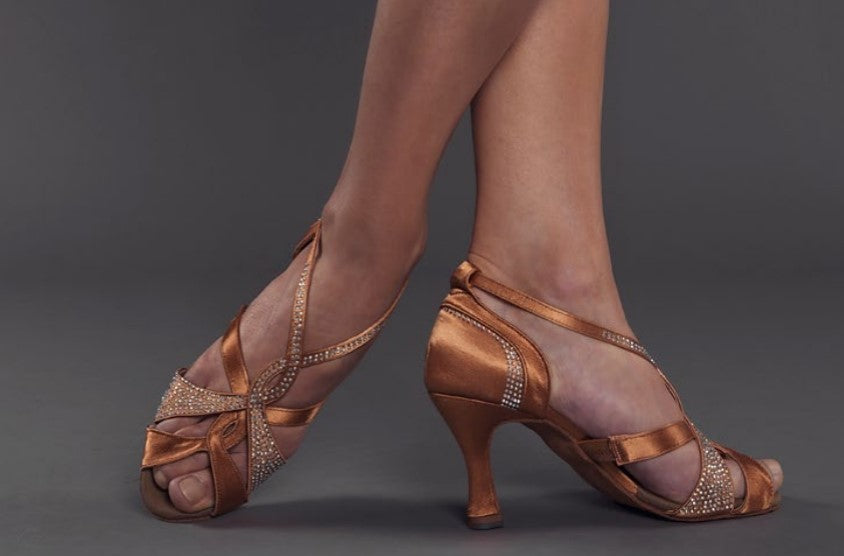 "Sapato Senhora Latino ""Deep Tan"" com Cristais --- Latin Ladies Shoe ""Deep Tan"" with Crystals"