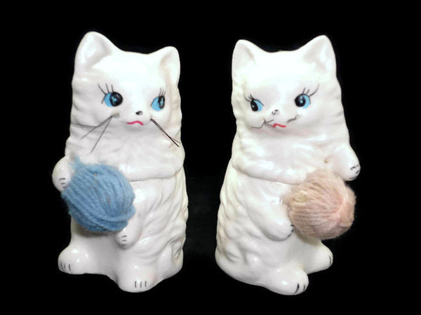 Vintage Enesco Knittin' Kittens Cat Salt and Pepper Shakers E5863