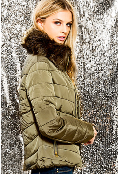 Ladies Puffer Jacket with Detachable Faux Fur Collar
