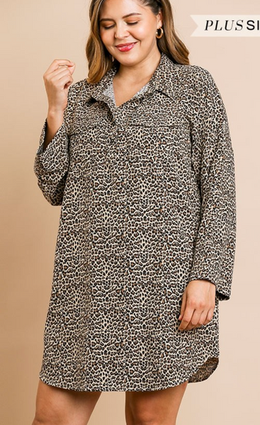 CURVY - Animal Print Long Sleeve Collared Dress with Chest Pockets and Scoop Hem
