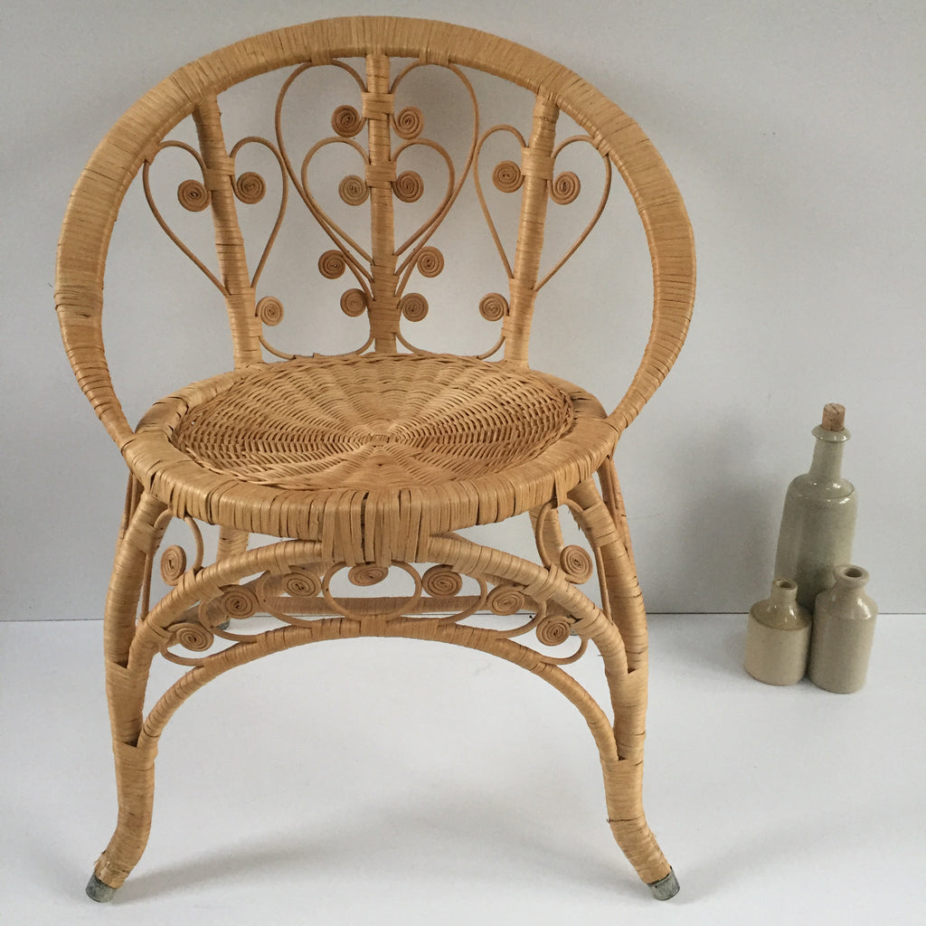 Small Bohemian Peacock Wicker Chair   Petite Chaise Boho Peacock 1970s    Free Delivery  Livraison