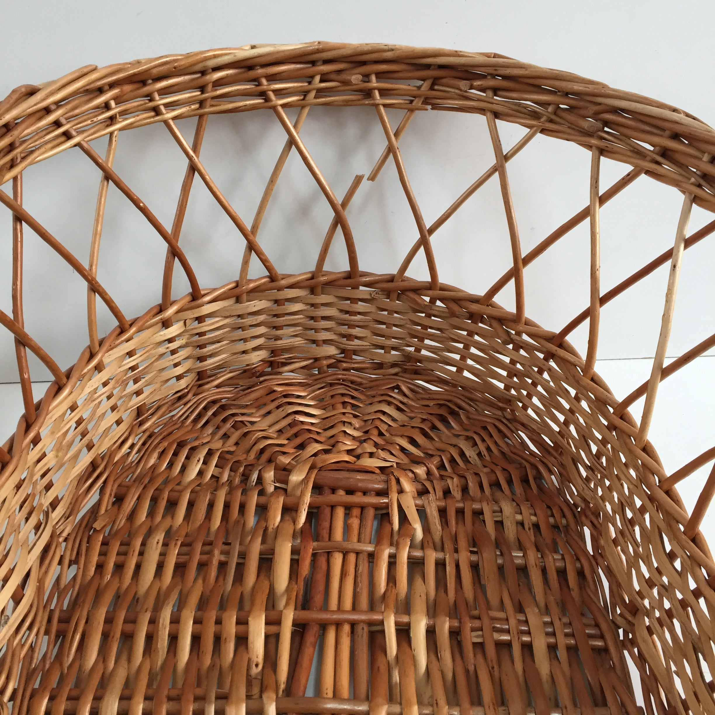 Vintage Rattan Wicker Baby Carry Cot - Couffin Rotin Vintage - Free Delivery UK-Livraison Gratuite France