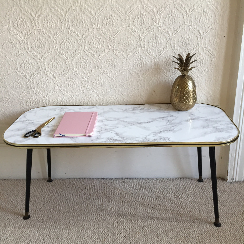 Medium marble effect vintage coffee table 1950s table for Table basse dessus marbre