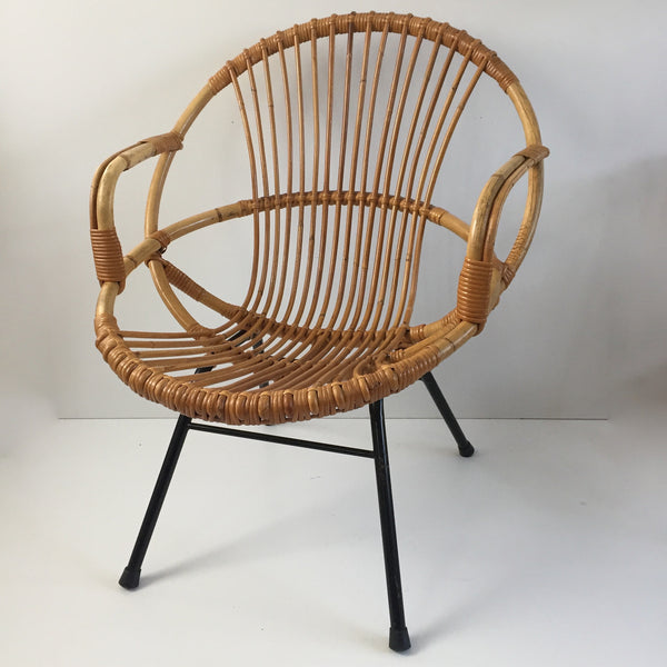 Vintage Rattan Wicker Chair Metal Feet Armrests- Fauteuil Rotin Vintage Accoudoir Pieds Metal - Free Delivery UK-Livraison Gratuite France