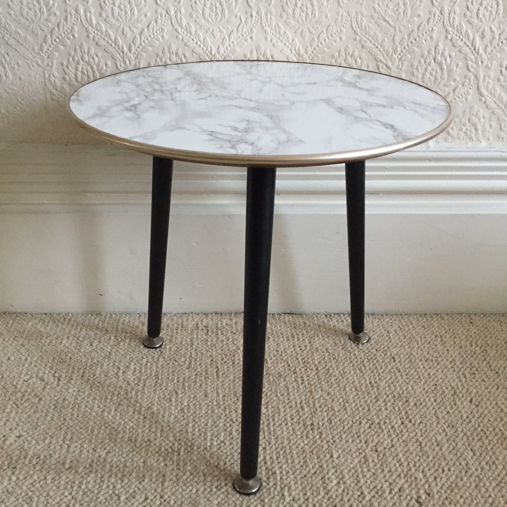 round marble effect vintage coffee table 1950s table basse. Black Bedroom Furniture Sets. Home Design Ideas