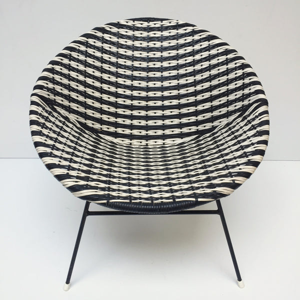 Black & White Vintage Satellite Woven Wicker Chair - Fauteuil Scoubidou Noir et Blanc Vintage - free delivery UK- livraison gratuite France