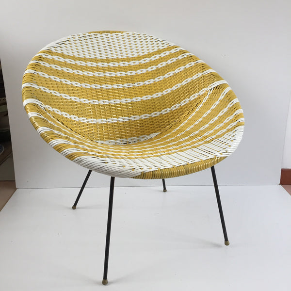 Yellow & White Vintage Satellite Woven Wicker Chair - Fauteuil Scoubidou Jaune et Blanc Vintage - free delivery UK- livraison gratuite France
