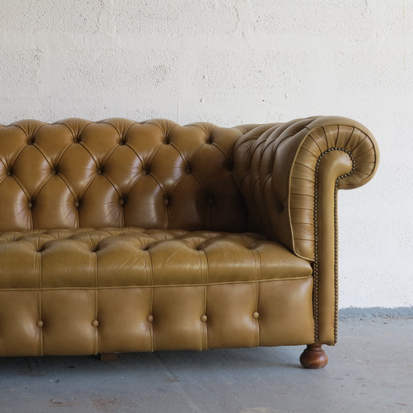 Vintage Chesterfield Sofa - Canapé Chesterfield Vintage