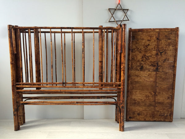 Vintage Bamboo Foldable Cot Baby Bed