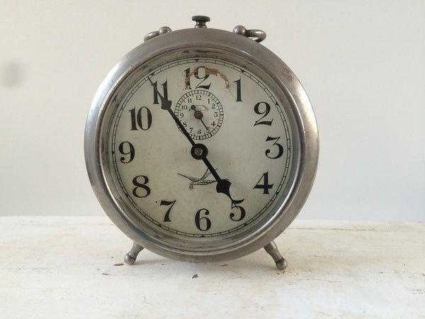 vintage french alarm clock unis france reveil matin vintage free d la petite brocante. Black Bedroom Furniture Sets. Home Design Ideas