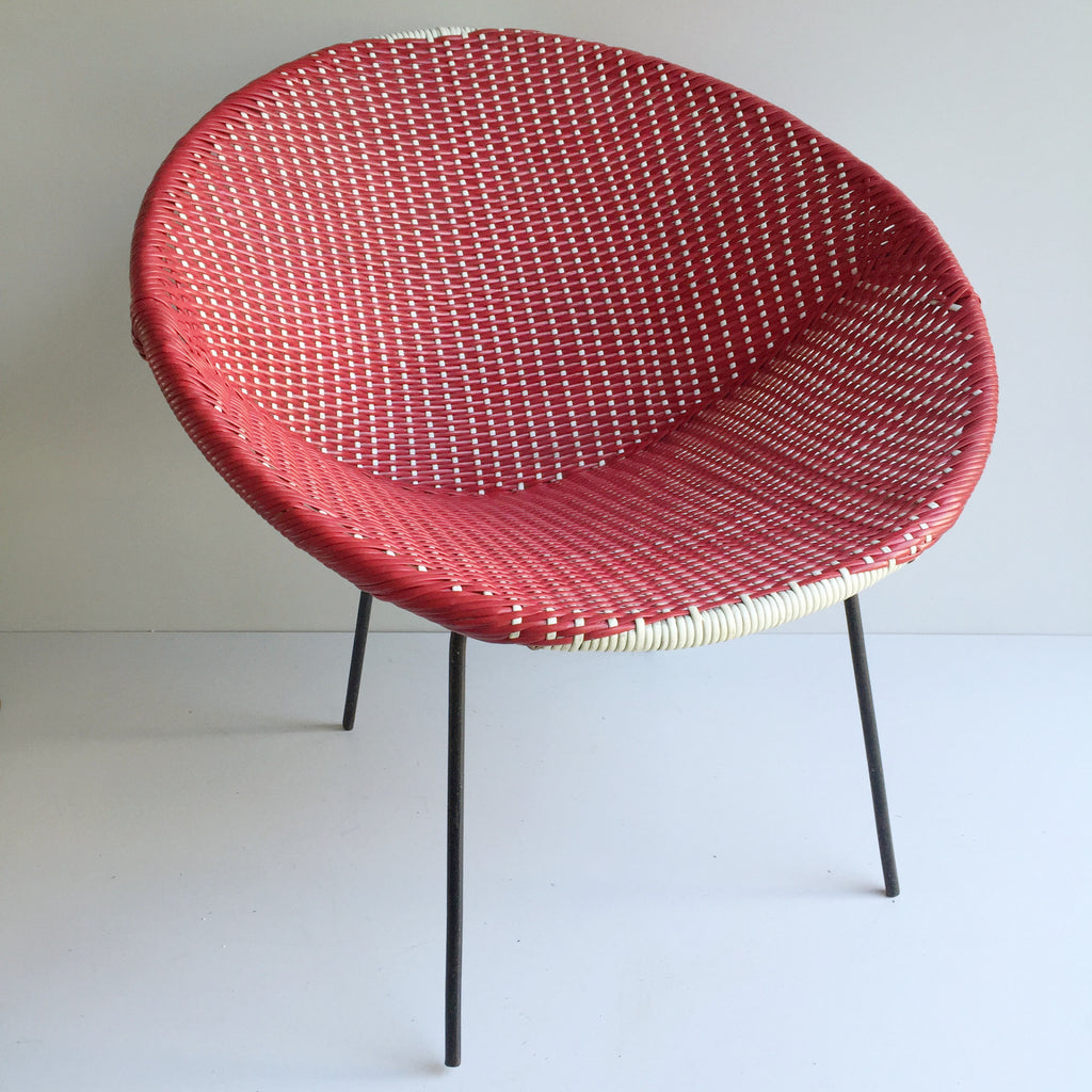 Red Vintage Satellite Atomic Wicker Scoubidou Chair - Chaise rouge annees 50 scoubidou en rotin plastique tressé