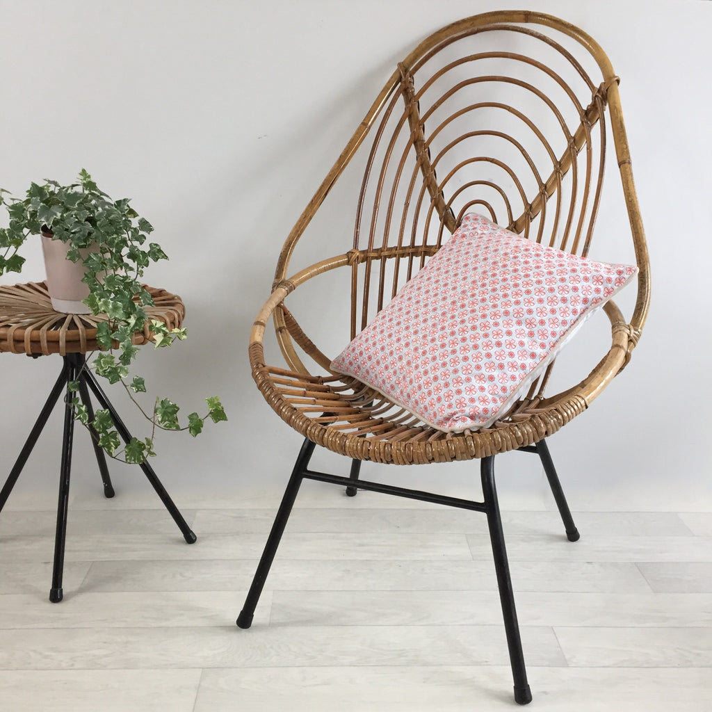 1960s Vintage Rohe Rattan Tall Wicker Chair Metal Feet - Fauteuil Rotin Vintage Haut Pieds Metal- Free Delivery UK-Livraison Gratuite France