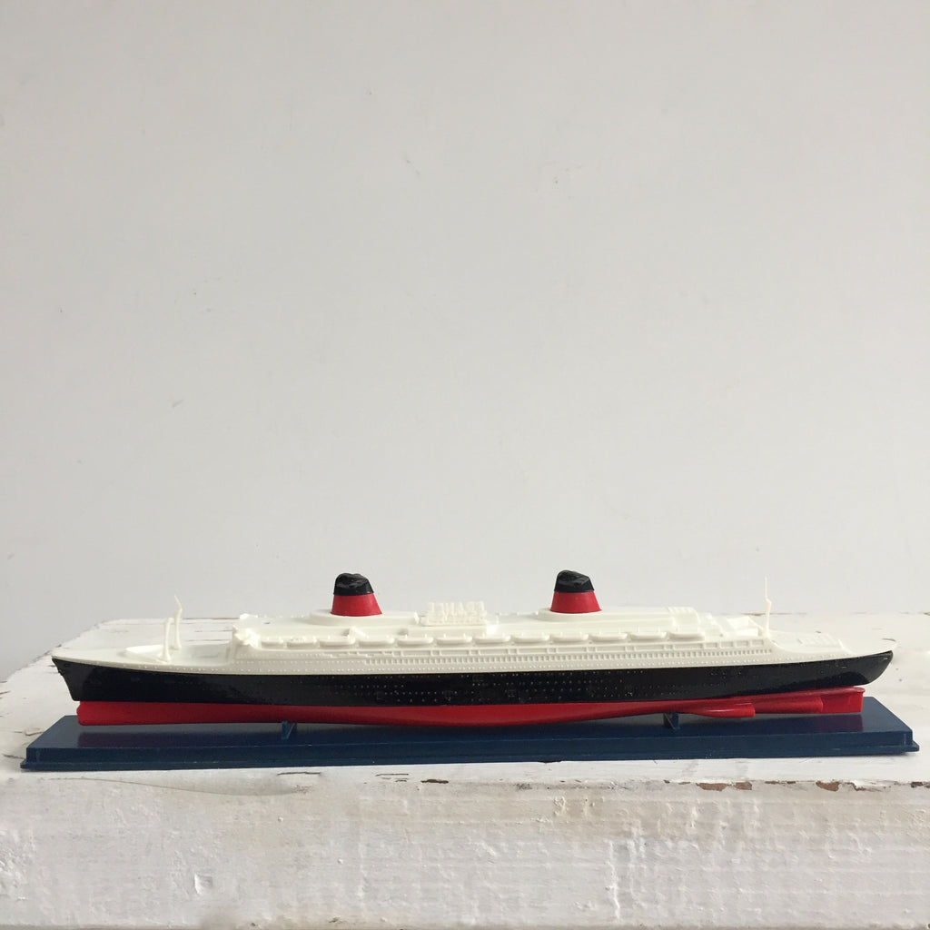 Dinky Toys France Cruiseliner -Paquebot France Dinky Toy - Livraison Gratuite France - Free Delivery UK
