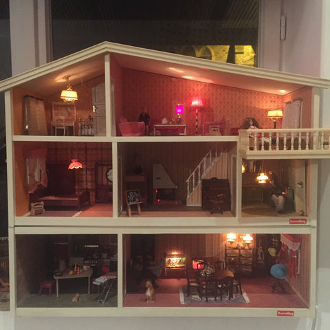 Dolls House - Maison de Poupées - Free delivery UK- Livraison Gratuite France