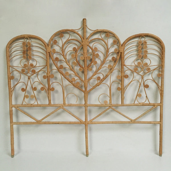Vintage Boho Peacock Lovehearts Wicker Double Headboard (free delivery UK)- Tete de Lit Double Peacock en Rotin Vintage Boheme Volutes (livraison gratuite en France)