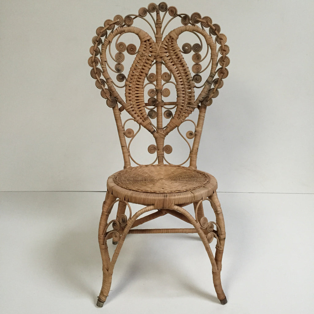 Bohemian Peacock Intricate Wicker Chair   Chaise Boho Peacock 1970s   Free  Delivery  Livraison Gratuite