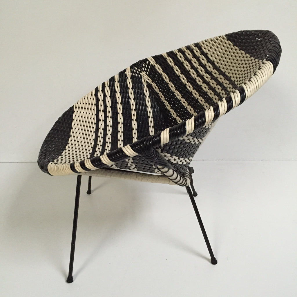 Black and White Vintage Satellite Atomic Wicker Chair - Chaise ...