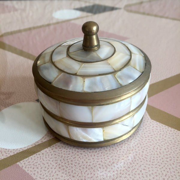 Vintage Mother of Pearl Trinket Box - Boîte Vintage en Laiton et Nacre - Free delivery UK - Livraison gratuite France