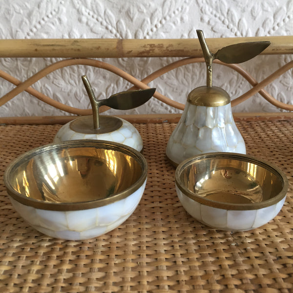 Vintage Mother of Pearl Pear and Apple - Pommes et Poire Vintage en Laiton et Nacre - Free delivery UK - Livraison gratuite France