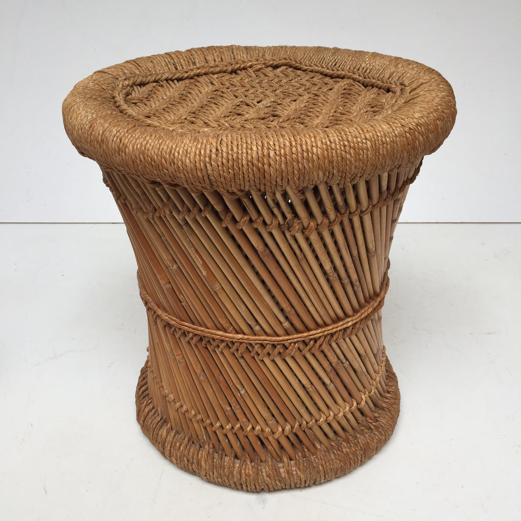 vintage boho woven wicker stool tabouret vintage rotin. Black Bedroom Furniture Sets. Home Design Ideas