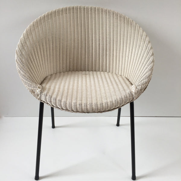 White Lusty Lloyd Loom Vintage Wicker Chair 1950s - Chaise Lusty Lloyd Loom Blanche Osier et Metal - free delivery UK/France