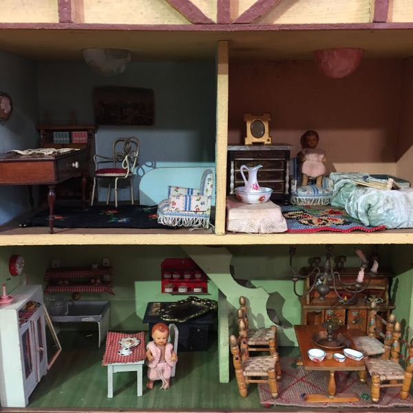 Vintage French Dolls House - Maison de Poupées Vintage - Free delivery UK- Livraison Gratuite France