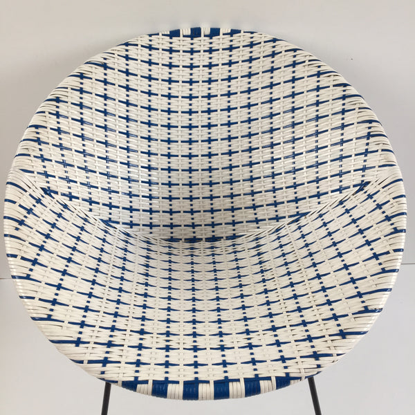Blue & White Vintage Satellite Woven Wicker Chair - Fauteuil Scoubidou Bleu et Blanc Vintage - free delivery UK- livraison gratuite France