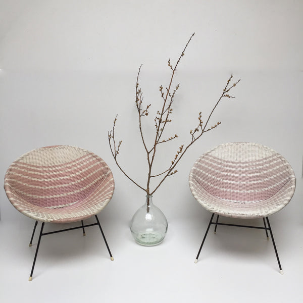 Pink & White Vintage Satellite Woven Wicker Chair - Fauteuil Scoubidou Rose et Blanc Vintage - free delivery UK- livraison gratuite France