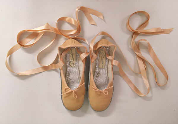 Nude Ballet style Tightrope shoes w/ribbons UK 6.5