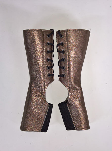 Short PEWTER metallic Aerial boots