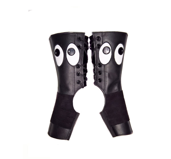 Short PEEKABOO Aerial boots w/ Black & White Eyes