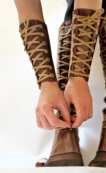 BROWN Leather cuff style Gauntlets